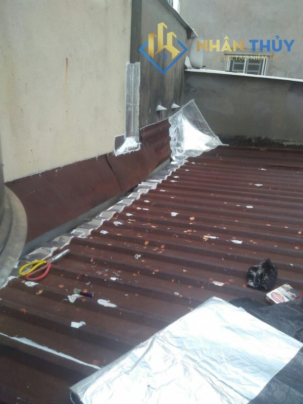 dịch vụ chống dột mái tôn tại quận 2