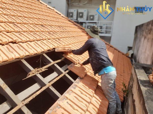 thợ chống dột mái ngói tại bình dương