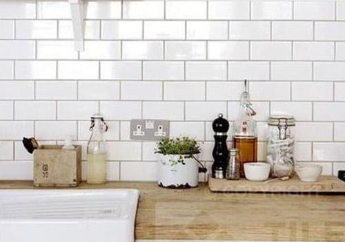 gạch ốp tường màu trắng sữa