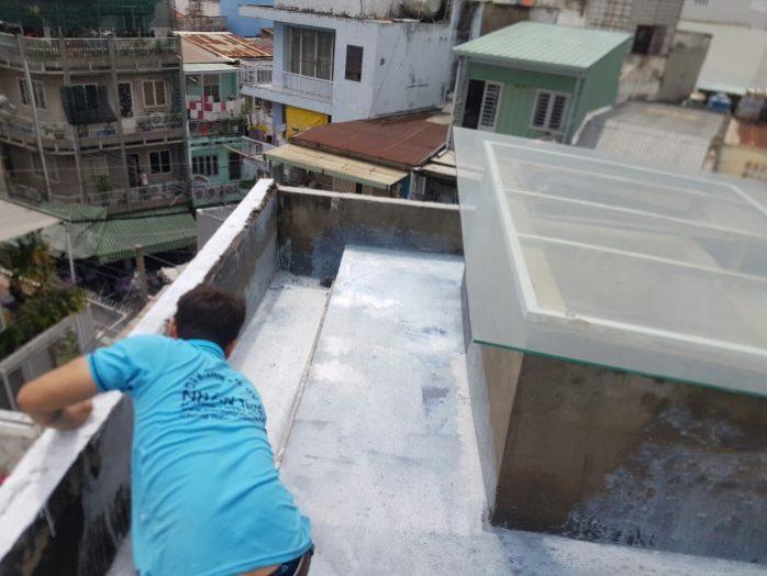 thợ chống thấm sân thượng quận 1