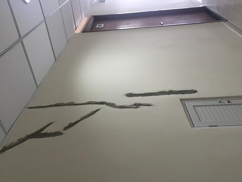 xử lý vết nứt tường nhà mới xây