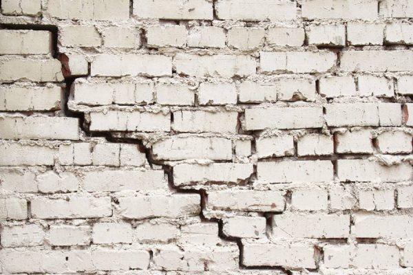xử lý vết nứt tường gạch