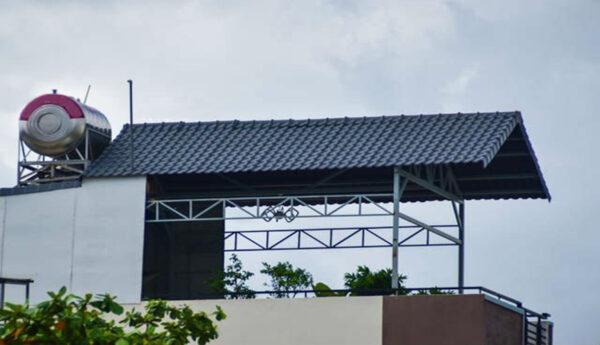 làm mái tôn tại sân thượng tphcm