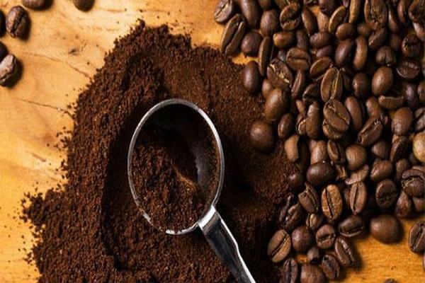cách khử mùi hôi bằng bột bả cafe