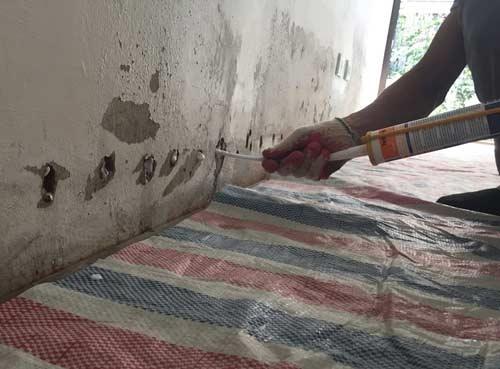 foam chống thấm chân tường