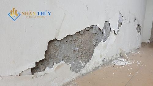 cách làm sạch sơn tường nhà cũ