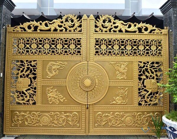 sơn cổng sắt màu vàng